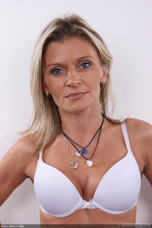 Ny house wife nude