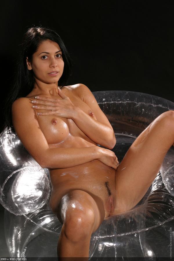 Leyla nude