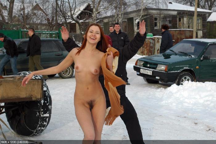 CMNF или голые девушки и одетые парни-4 - в оригинальном размере.