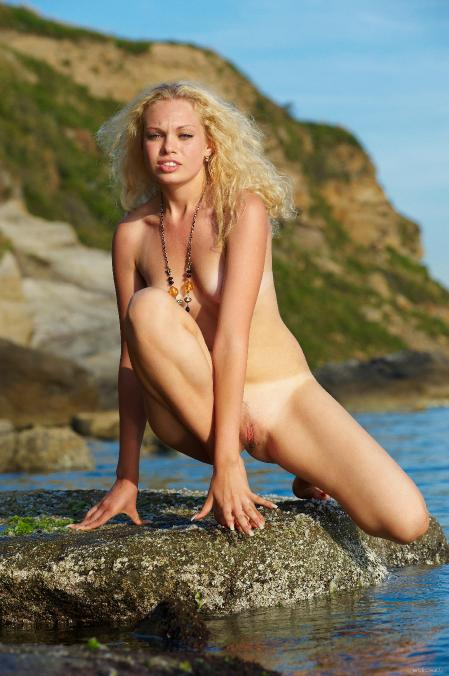 EroticBeauty: Uma - By The Water (25-07-2013)
