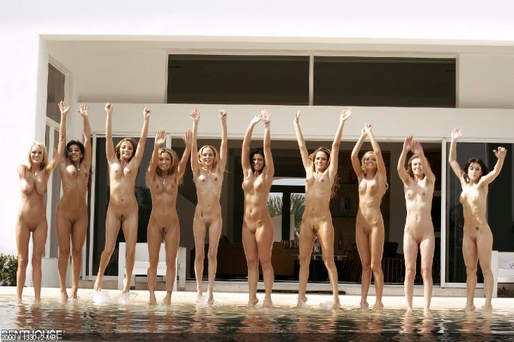 фото кучи голых девушек